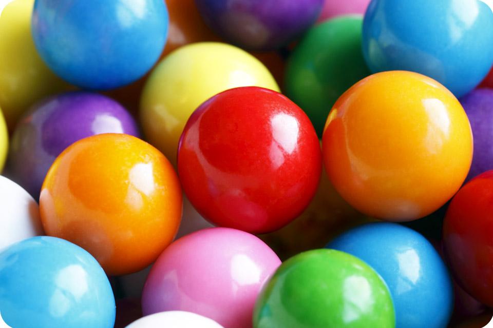 Kolorowe kulki przedstawione w zbliżeniu macro